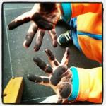 Schwarze Hände!!??